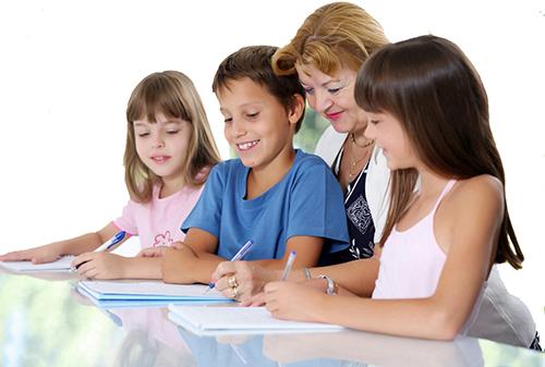 Cần gia sư tiếng Anh lớp 4 tại nhà