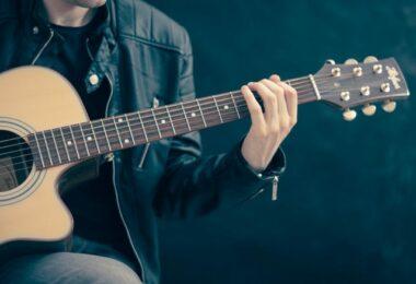Cần gia sư dạy đàn Guitar tại quận Gò Vấp